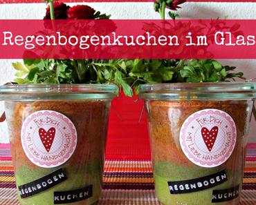 Geschenkidee: Regenbogenkuchen im Glas