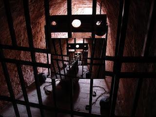 Die Vereinigten Folterstaaten von Guantanamo und die Menschenrechte