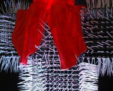 Zwei Lichtgestalten / Two Light Icons, Manfred Kielnhofer und Christoph Luckeneder, zeitgenoessische bildende Kunst Skulptur im oeffentlichem Raum