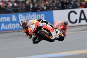 MotoGP: Pedrosa gewinnt Krimi