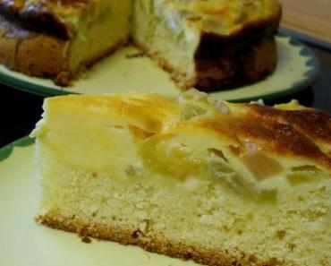 Schneller Rhabarberkuchen mit Schmandguss