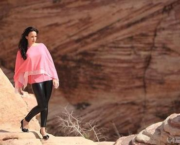 Schwarze Glanzhose mit pinkem Shirt – Mode & Reise Kalender 2013 – Juni 2013