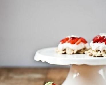 Erdbeertörtchen  ♥  Ein Sommertraum mit Mascarpone und Schokocrossie-Boden
