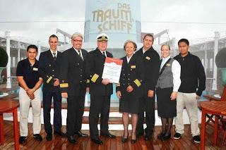 """Aktion Deutschland hilft: Hochwasser-Hilfe 2013: """"Traumschiff"""" MS DEUTSCHLAND will auch helfen"""