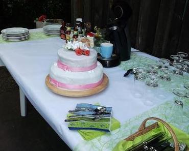 Hochzeitstorte für eine kleine Gartenfeier im Familienkreis...