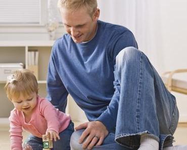 Holzklötze vs. Tablet PC – was ist sinnvolles Spielzeug für Babys und Kleinkinder?