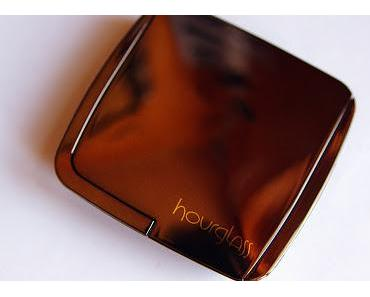 """Review: Hourglass Ambient Lighting Powder """"Diffused Light"""""""