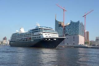 Der US Luxusliner: Azamara Quest ist heute erstmals in Hamburg