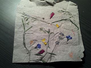 Papierschöpfen mit Blüten & Gräsern