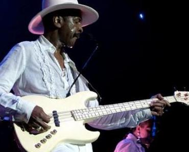 Happy Birthday Larry Graham !!