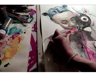 Lora Zombie malt ein Bild im Zeitraffer