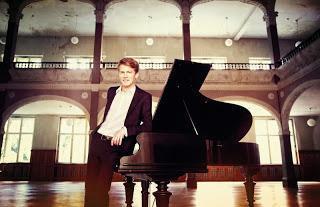 Pressemeldung: ECHO Klassik Preisträger und Pianist Alexander Krichel beim Ocean Sun Festival 2014 an Bord der EUROPA