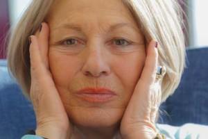 Hauttrockenheit im Alter – wenn die Spannkraft nachlässt