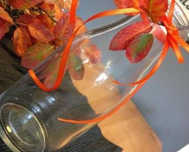 DIY - the autumn dip-dye glitter vase