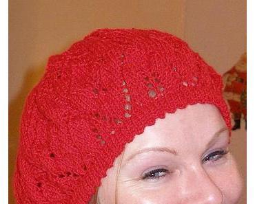 Mal wieder gestrickt: Drops Design Baskenmütze in rot