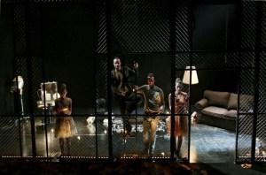 """Zerbrechliche Wesen – """"Die Glasmenagerie"""" von Tennessee Williams in Landshut"""