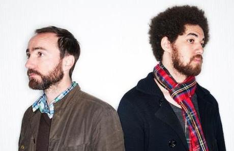 "Musik News: Broken Bells spielen neues Lied ""The Changing Lights"" in Pariser Boutique"