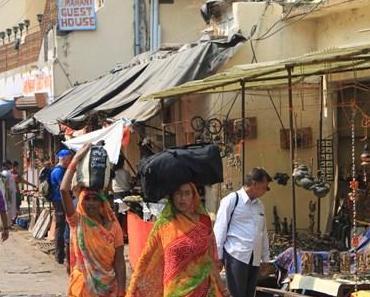 Der Ort Orchha, Mittagessen und eine lange Fahrt nach Khajuharo