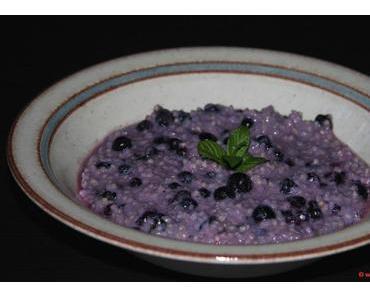 Frühstück mal anders – Süße Hirsesuppe mit Vanilleheidelbeeren