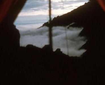 Inka Patroullie neben dem Zelt