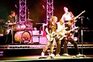 """Status Quo kommen mit Lou Gramm """"The Voice Of Foreigner"""" auf Deutschland-Tournee"""