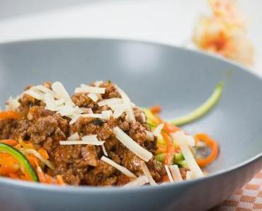 Low Carb: Zucchini-und Möhren-Spaghetti mit Bolognesesoße