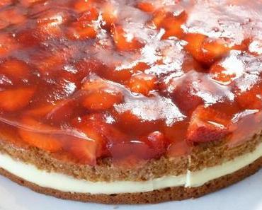 Rezept: Erdbeer-Pudding-Torte