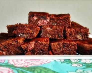 Vegan bakery 2: Supersaftige Schoko-Kirsch-Brownies