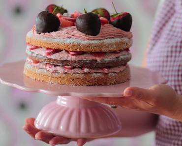 vegane Erdbeertorte mit Schokolade Erdbeeren