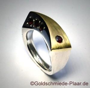 Silberring mit Gold und Granat