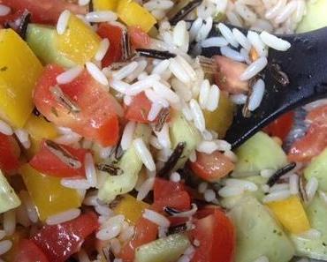 Sommerlich frisch: Auch ein Reissalat passt zu jedem Buffet