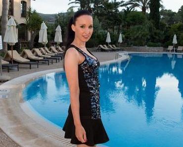 Pailettentop mit Minirock – Golfhotel Mallorca
