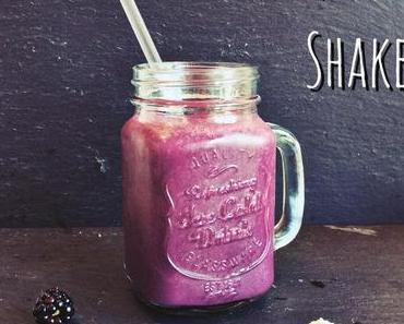 Brombeer-Buttermilch-Shake
