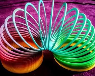 Tag des Slinky – der amerikanische Slinky Day