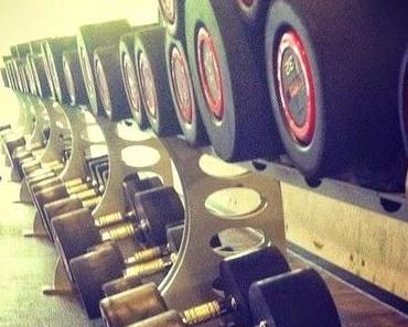 Fitnessübung: Reverse Flys (mit Kurzhanteln)