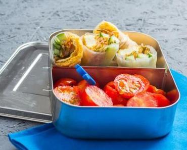 [Pausenbrot- und Lunchboxwoche] Tina von Lunch for One: Schwäbische Frühlingsrolle und eingelegtes Gemüse