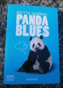 "Rezension ""Pandablues"" – Britta Sabbag"