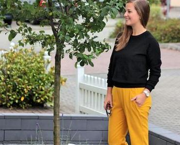 OUTFIT – YELLOW LEO.