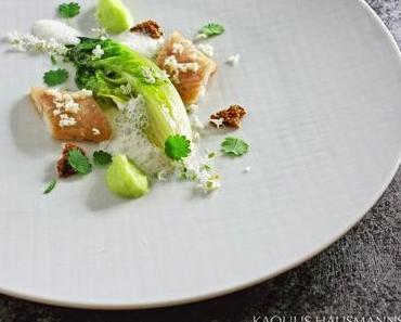 Räucheraal mit Salat und Buttermilch