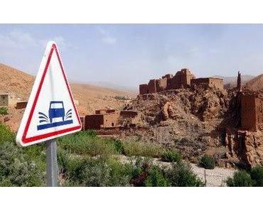 Marokko: fragwürdige Steine im Dadès-Tal