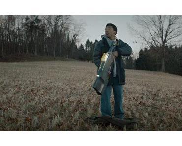"""Sci-Fi Kurzfilm """"Bag Man"""" – Ein Junge und seine futuristische Waffe"""