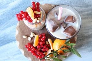 Heißkaltes Duo: Zwei Leckereien mit Mandelmilch