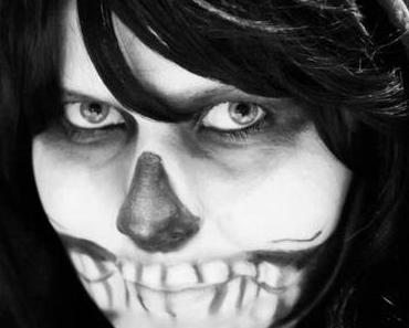 Skeleton Makeup – Last Minute Halloween Kostüm
