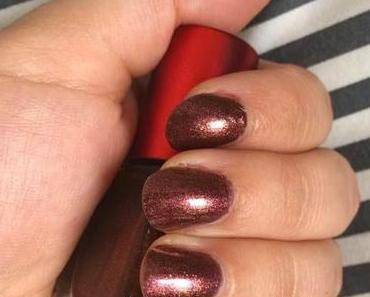 """NOTD-""""Rich+Royal nail polish"""" by P2 """"Gold & Crown"""" Limited Edition"""
