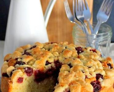 Bloggeburtstag mit kleinem Kirsch-Streusel-Kuchen mit Amaretto