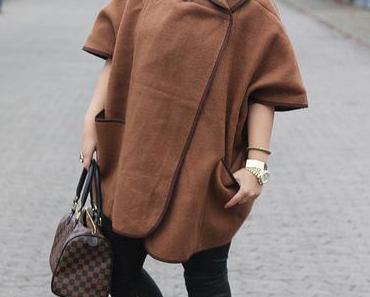 Outfit: H&M Cape, Wachslederhose und Asos Stiefeletten