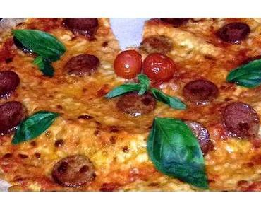 Pizza-mit-allem-Möglichen-außer-Anchovis–belegt-Tag – der amerikanische National Pizza with the Works Except Anchovies Day