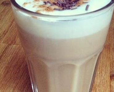 Heiße Drinks für kalte Tage: weihnachtlicher Lebkuchen Latte Macchiatto