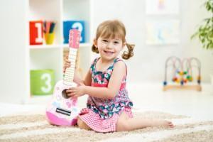 Kinder und Musik – Was sie dabei lernen!