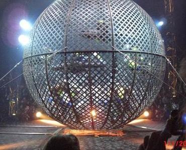 Actionreicher Start in das Jahr 2015: Ein Abend beim Akrobatik-Zirkus Flic Flac